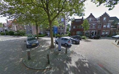Mozaïektegels pleintje hoek Steijnstraat